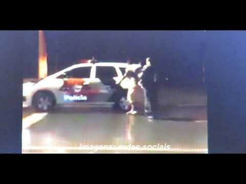 Policiais militares dão exemplo de cidadania