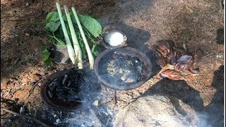Primitive Survival Skills: Primitive Technology Looking For Food (Snail)