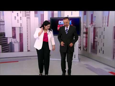 Dança, gatinho! Percival de Souza cai no samba no