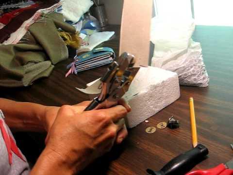tutorial como poner los remaches metalicos y los broches magnetizados