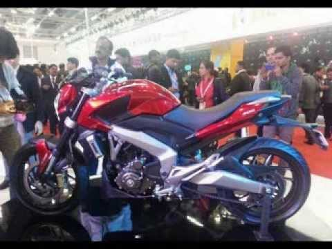 Bajaj launched Pulsar 400 CS and 400 SS Sports Bike at India Auto Expo 2014