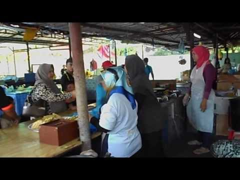 Universiti Brunei Darussalam - Tamu Kianggeh Brunei Traditional Market