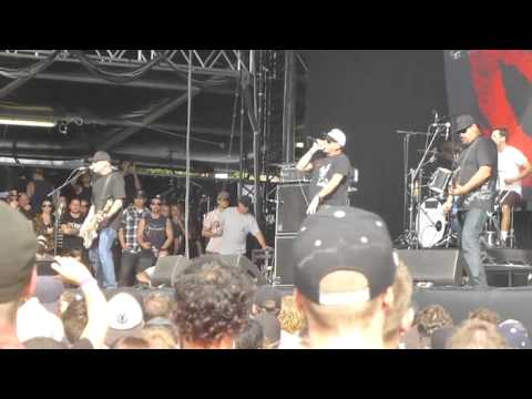 Pennywise - live @ Soundwave Sydney, 23 February 2014, 1 of 2