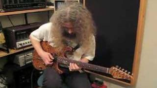 Guthrie Govan Playing To B.B. King Style Track