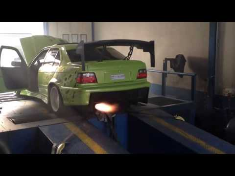 BMW E36 Turbo Shooting Crazy Flames On Dyno!