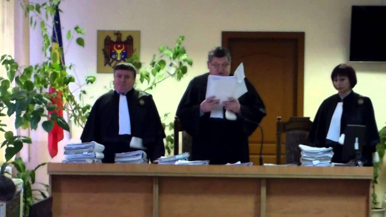 Funcționari din primăria Chișinău condamnați penal