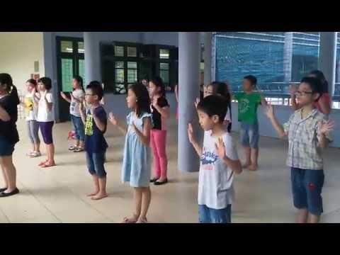 Nhảy dân vũ Doraemon- lớp 4A- Tiểu học Quan Hoa- Cầu Giay HàNội