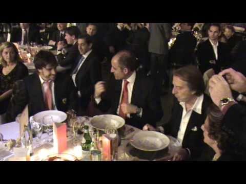 Cena de Gala Fernando Alonso   FINAL MUNDIAL  FERRARI 2010 VALENCIA.mpg