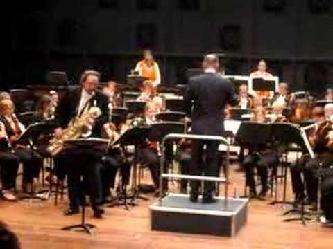 Andreas van Zoelen plays van Beurden Baritone Sax Concerto