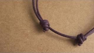 Pulsera de cabo con nudos corredizos