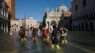 الفيضانات تغرق البندقية
