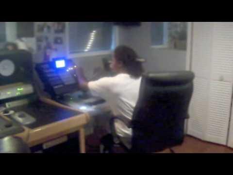 Zaytoven Beats Studio in ATL W/ VAS GUTTA