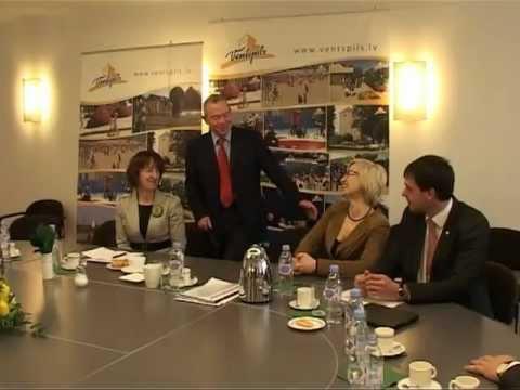 Смотреть видео Министр здравоохранения посетила  Вентспилс
