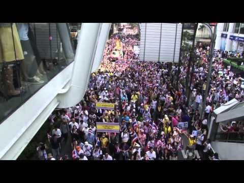 Thai Protest Continues Despite Prime Minister's Call for New Elections