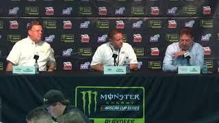 Toyota's Ed Laukes jokes with Chevrolet's Jim Campbell, congratulates him on XFINITY title. Гонки Наскар. Смотреть видео Nascar