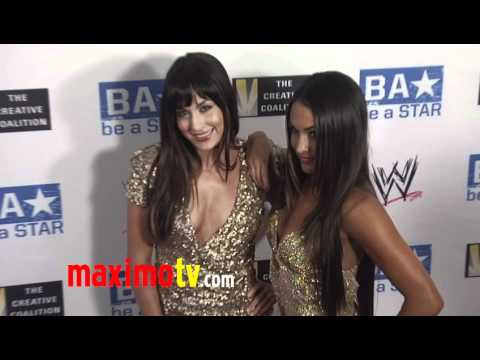 WWE Twin Divas: The Bella Twins at WWE SummerSlam 2011 LA Event