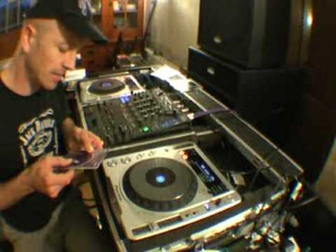 DJ Tutorial, Mixing different genres of dance music.