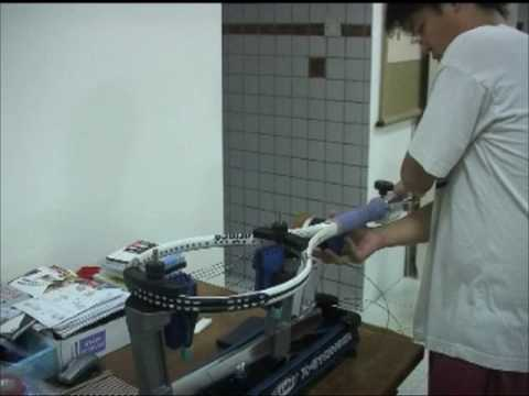 Tennis Racquet Stringing 4: Stringing The Mains