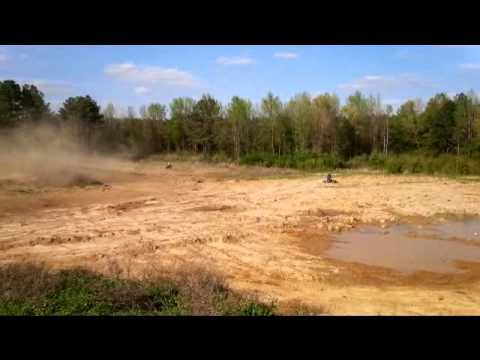 HONDA 450R Doing Doughnuts