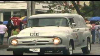 Desfile Autos Antiguos Fiestas De Pereira 147 Años.wmv
