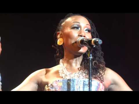 CHIC live in Hannover: Im Coming Out & Upside Down (Diana Ross) 10.03.2013 HD