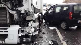 Ölüm Kavşağında Trafik Kazası