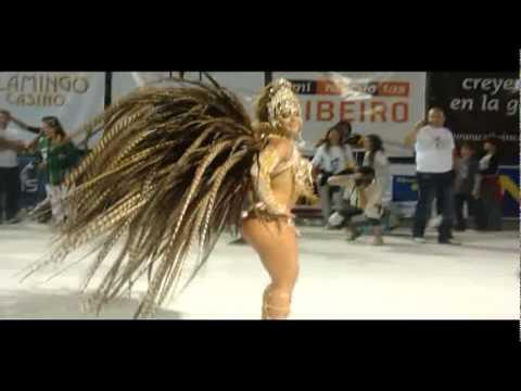 Viviane Araujo arrasa no carnaval da Argentina
