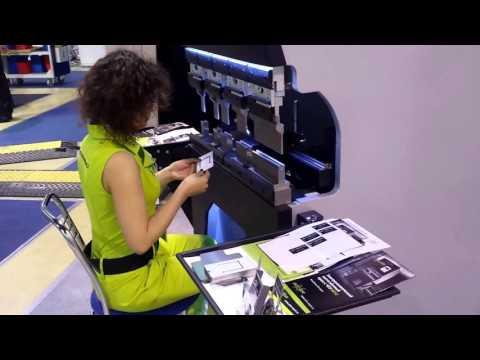 Compact CNC full-electric press brake BOXER