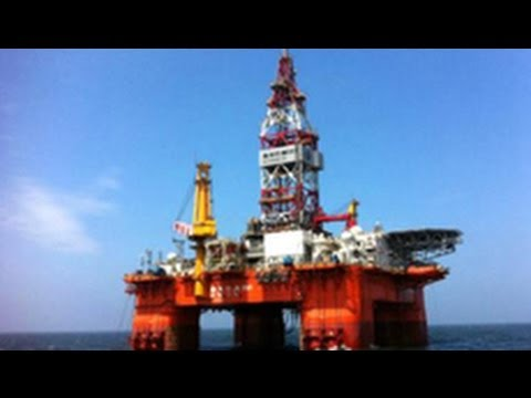 Tàu Trung Quốc đâm tàu Việt Nam vụ giàn khoan HD 981
