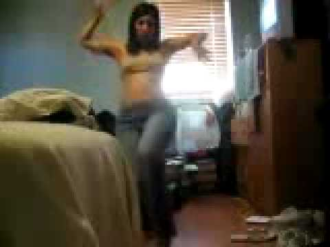 very zwina LATINA girl dancing