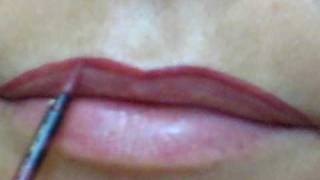 Como maquillar labios finos