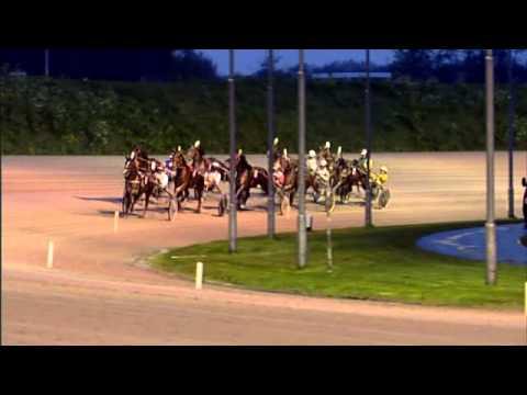 Vidéo de la course PMU CHAMPIONNAT D'HIVER (TROTTEUR FRANCAIS LADY CHALLENGE)