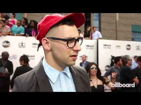 Bleachers' Jack Antonoff: Billboard Music Awards Red Carpet 2014