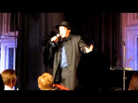 "Jonathan Groff Singing ""Amish Paradise"" by ""Weird Al"" Yankovic Live at The Cabaret"