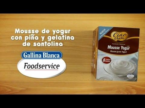 Receta: Mousse de yogur con piña y gelatina de santolina