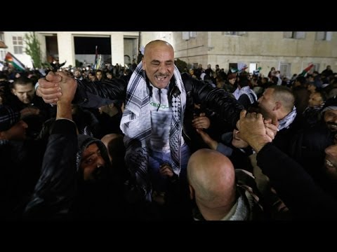 Jubilation as Israel releases Palestinian prisoners