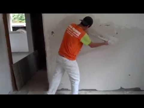 Como aplica gesso liso na parede