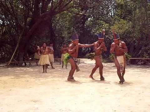 Nepo com os indios tucano, indios da amazonia