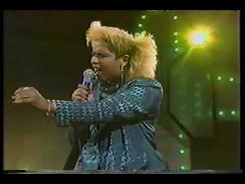 Shiomara (Fallecida) Cantante Dominicana - Por Que Tu Estas Vacio - 80's - Ciudad Corazon