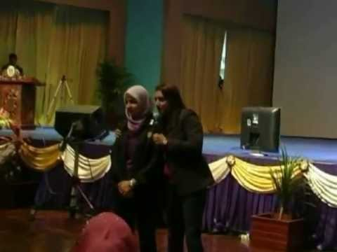 Video Sharifah Zohra Jabeen VS Bawani di UUM ( Listen, Listen, Listen!) FORUM SUARA MAHASISWA