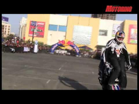 World Stunt Riding Champion Chris Pfeiffer goes all out in Mumbai! - BSM webTV
