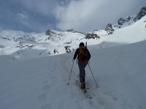 Ascensión y descenso con esquís de Lenquo de Capo