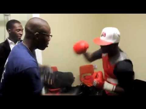 OHARA DAVIES WORKSOUT ON THE PADS IN CHANGING ROOMS BEFORE HIS PROFESSIONAL DEBUT (With Tunde AJAYE)