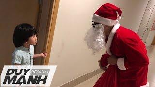 Ông già Noel Duy Mạnh tặng quà cho con trai !