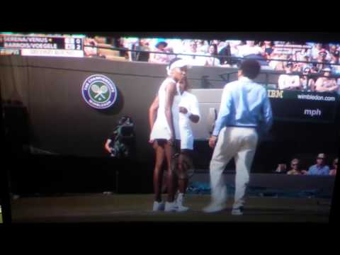 Serena Williams what is wrong? Strange Behavior!