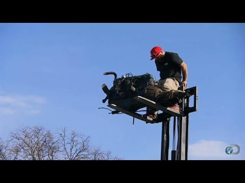 Giant Toy for Gas Monkeys? | Fast N' Loud