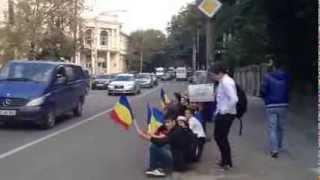 Protestele pt Rosia Montana la Chisinau continua