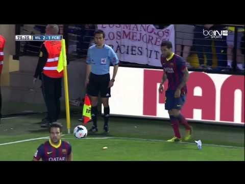 Dani Alves Eats Banana vs Villarreal 2014