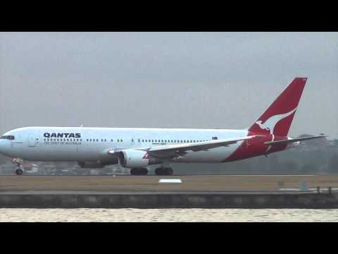 Qantas Airlines B767 takeoff I Sydney Airport HD