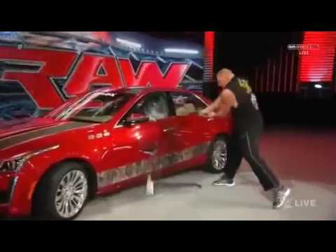 Đô vật Mỹ   Quái thú WWE Brock Lesnar phá hủy xe ô tô trị giá 55000$